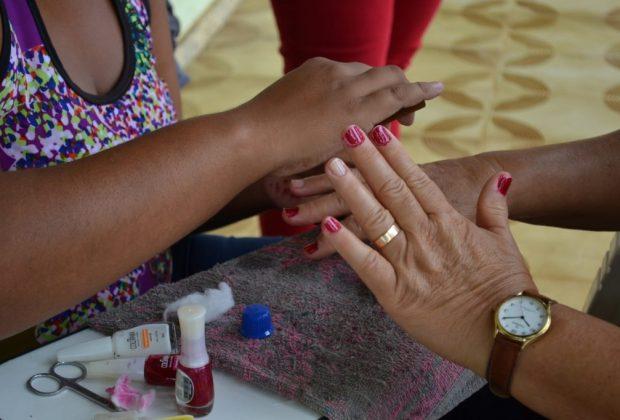 CRAS e Beleza Solidária promovem Dia da Beleza para terceira idade
