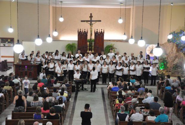 Coral no Bairro reúne 350 pessoas nos Prados