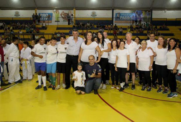 """Lançamento do """"Projeto Campeões"""" lota o ginásio de esportes Azulão"""