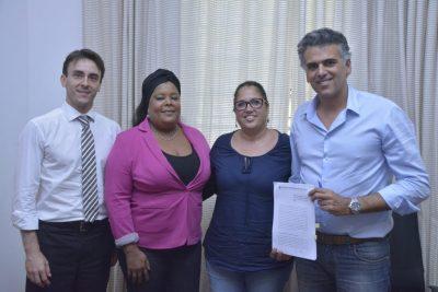 Prefeito Gustavo Reis assina repasses financeiros à Ong Xodó de Bicho