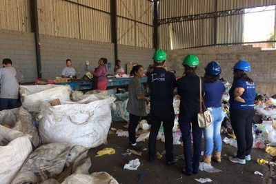 Parceria entre prefeitura e FAJ visa melhorar serviço de coleta seletiva