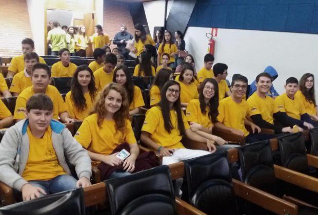 Estudantes guaçuanos recebem medalhas conquistadas na OBMEP 2016