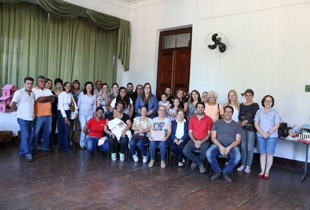 Turismo se reúne com artesãos do município