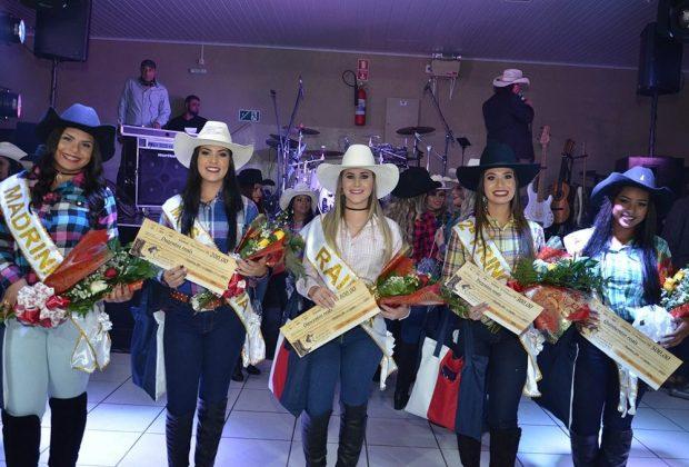 Letícia Palandi é eleita Rainha da Festa do Peão 2017