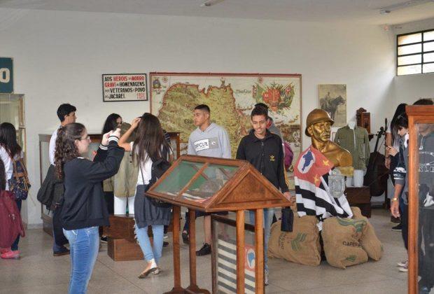 Alunos de Mogi Guaçu fazem passeio pelos museus itapirenses