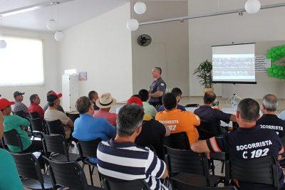 Servidores participam de palestra sobre educação no trânsito