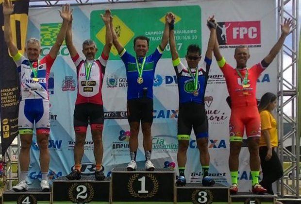 Newton Leite é vice-campeão máster de ciclismo