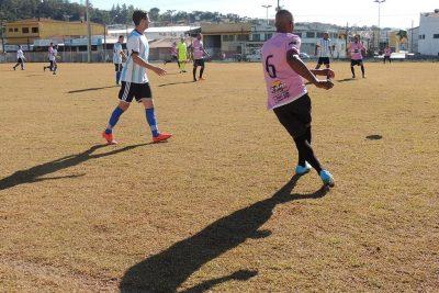 Varziano de Amparo volta com bola rolando no final de semana
