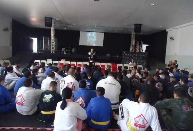 Seminário de Jiu-Jitsu reúne mais de 200 atletas em Artur Nogueira
