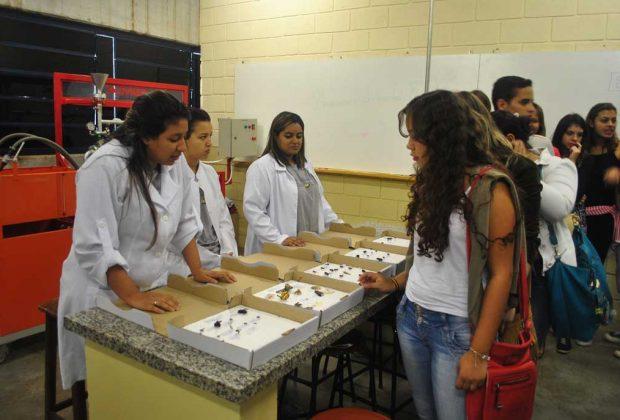 Feira de profissões deve receber mais de 6 mil alunos