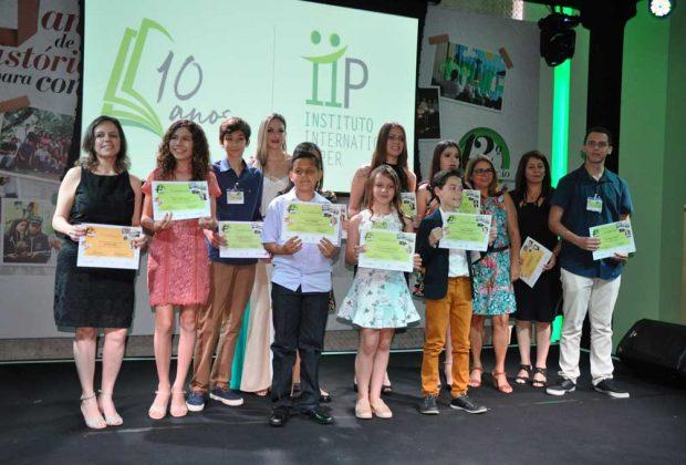 Estudantes guaçuanos são premiados em concurso