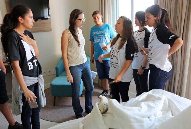 Estudantes da Rede Municipal conhecem o dia-a-dia dos hotéis da cidade