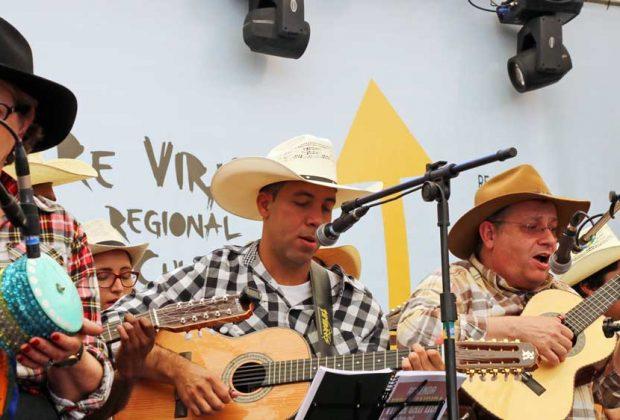 Violeiros de Holambra participam de encontro de Orquestras em Santa Bárbara D'Oeste