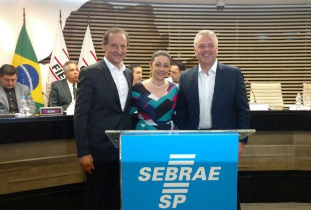 Prefeita de Estiva Gerbi assina convênio com o SEBRAE