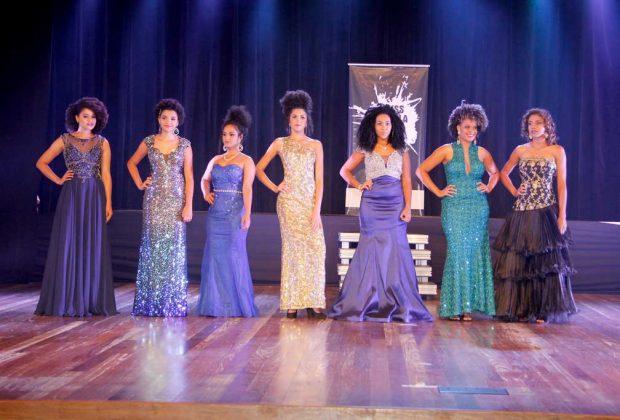 Em noite de gala, Jackeline Melo leva a coroa de Miss Pérola Negra 2017