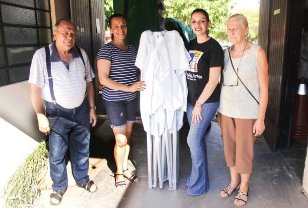 Prefeitura entrega 10 novas tendas para a FEART