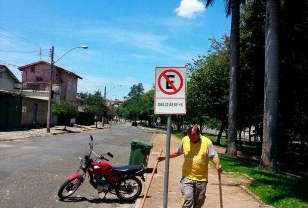 Estacionamento no entorno da Praça Mogi Mirim é proibido das 22h às 5h