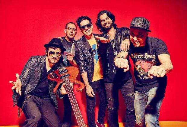 Jota Quest apresenta show acústico em Paulínia/SP