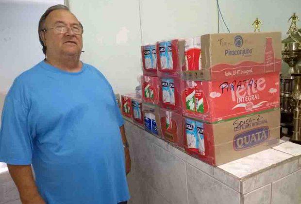 Secretaria de Esportes de Pedreira entrega caixas de leite a Promoção Social