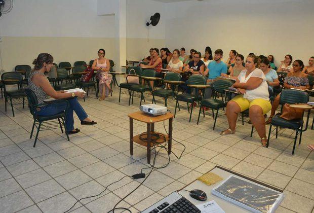 Professores da Educação Infantil de Jaguariúna participam de curso sobre o PNAIC