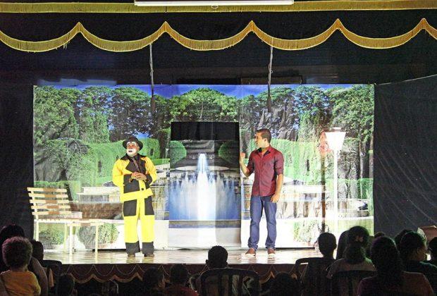 Teatro Itinerante reúne grande público em apresentações gratuitas no Imigrantes