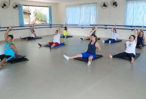 Com cerca de 300 alunos, aula de pilates fazem sucesso na Escola das Artes