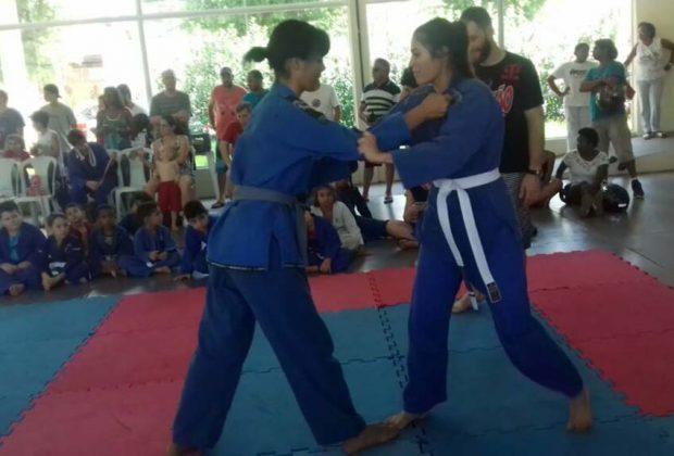 GM de Jaguariúna dá aulas gratuitas de jiu-jitsu e cria elo com jovens nas comunidades