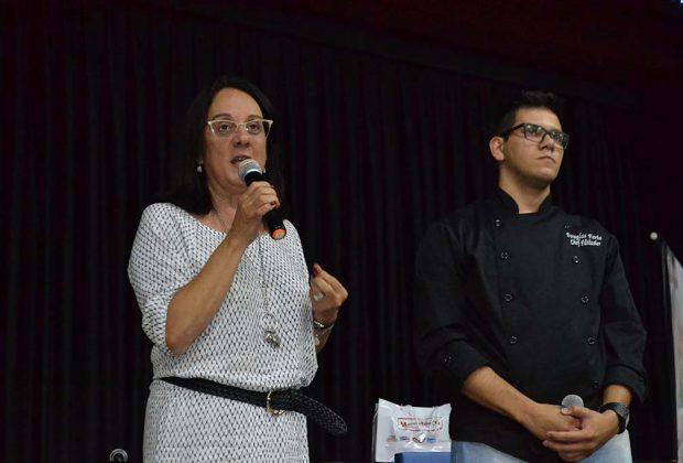 """Egresso da UniFAJ, vencedor do """"Que Seja Doce"""" volta à faculdade para palestra"""