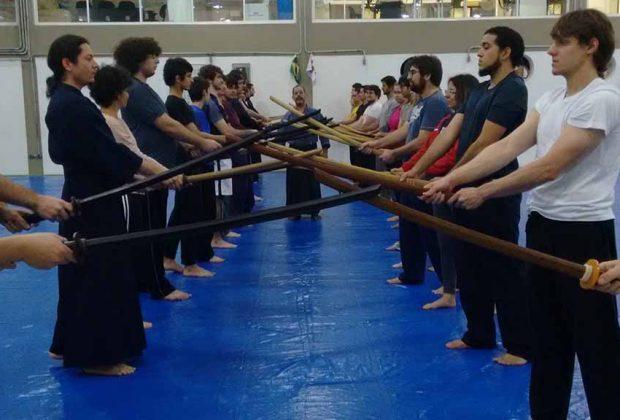 Parceria promove ensino do Kendô, a arte de luta dos samurais