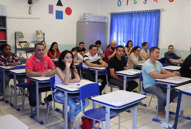 200 candidatos prestam vestibular da Univesp em Estiva Gerbi