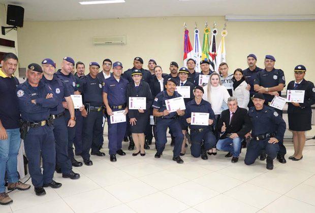 Guardas Municipais recebem certificados de formação