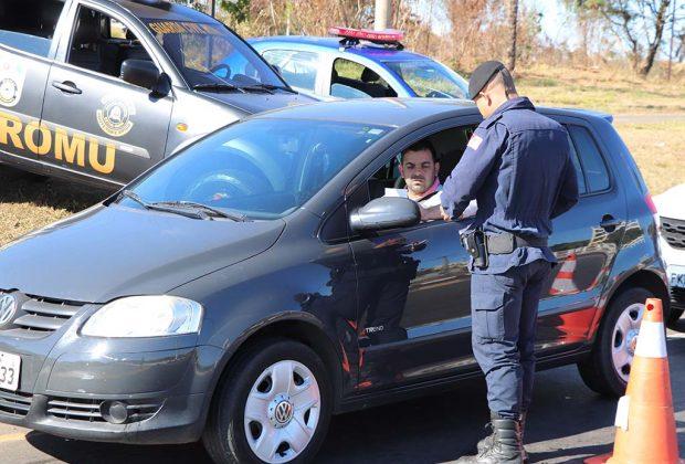 Guarda Municipal realiza ação de conscientização no trânsito