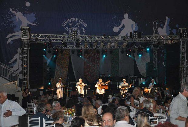 Grupo Samba de Gaveta leva clássicos do samba para Jaguariúna