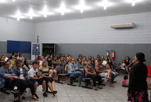 Palestra sobre violência contra mulher leva informação para mulheres de Estiva Gerbi