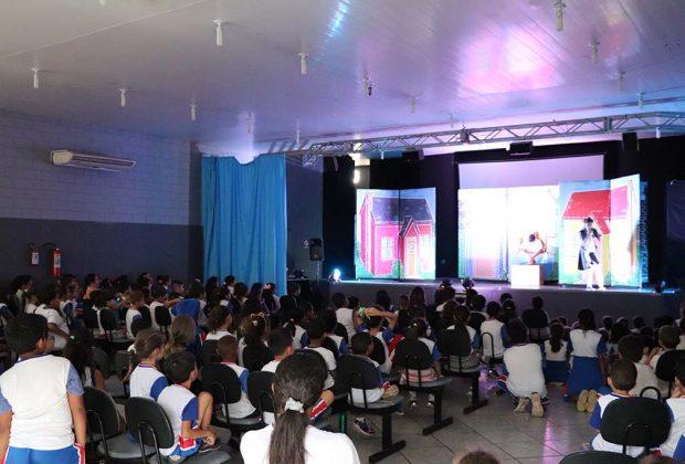 Educação e Cultura promovem peça teatral para os alunos da rede
