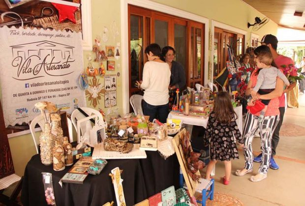 Vila do Artesanato de Itapira participa de feira em Mogi Mirim