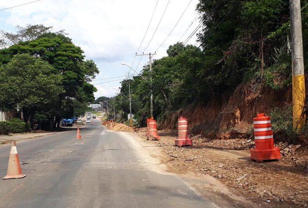 Avenida Nico Lanzi recebe adutora e rede de esgoto; Obra prece pavimentação e ampliação