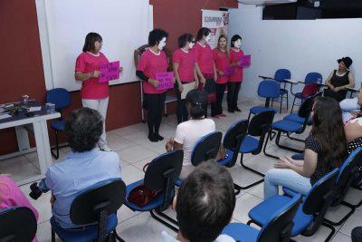 Com apoio da Prefeitura, prevenção ao câncer de mama foi tema de palestra sobre o Outubro Rosa