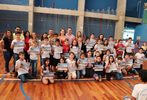 Mais de 170 alunos da rede municipal são premiados em Olimpíada e Mostra Brasileira