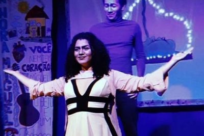 "Cia de Teatro Parafernália recebe espetáculo ""O Noivo"""