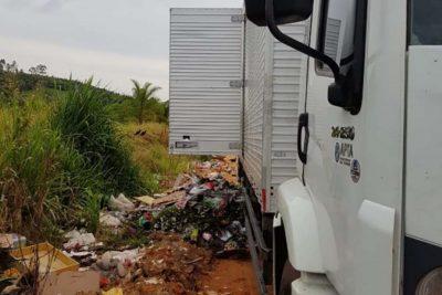 Novamente, Polícia Municipal flagra morador descartando lixo em local proibido