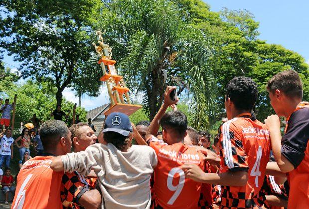 Holambra bate o Cruzeiro e leva título do sub-16 na Copinha