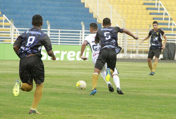 Jogos da Copinha voltam a agitar Estádio Municipal de Jaguariúna nesta quarta-feira