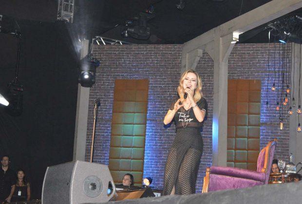 Confira como foi a apresentação da cantora Sandy na Red Eventos em Jaguariúna