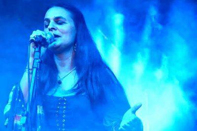 Conheça a música folk da cantora Lyra Grazie