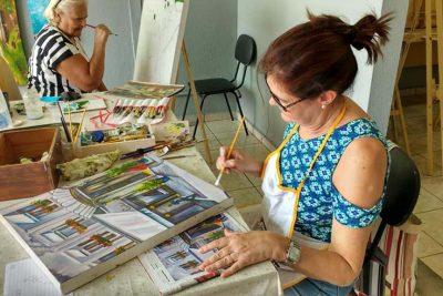 Aulas de pintura retornam com vagas disponíveis