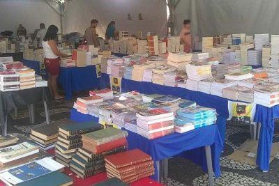 Escritores de Mogi Mirim marcam presença em Feira de Livros do município