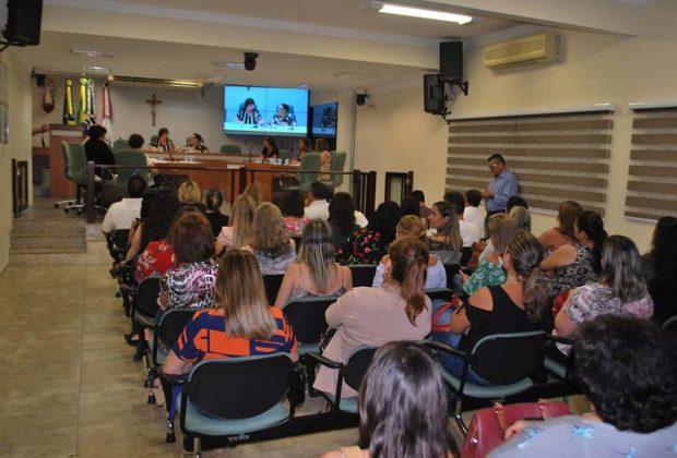 Atividades em alusão ao Dia Internacional da Mulher são realizadas na Câmara Municipal