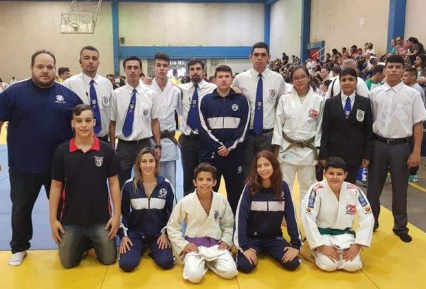 Judô de Amparo conquista 15 medalhas em Campinas