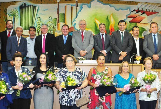 Mulheres são homenageadas pela Câmara Municipal